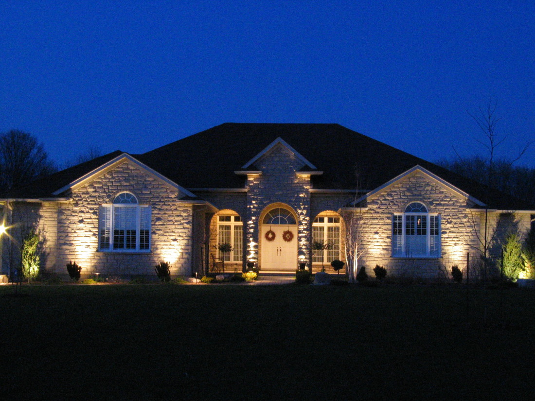 Architectural Lighting Fox-Run House Guelph Ontario