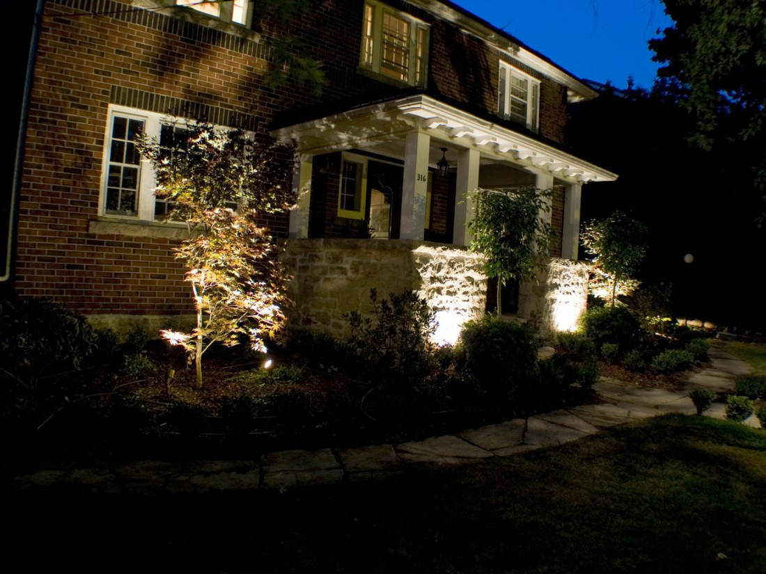 outdoor front lighting